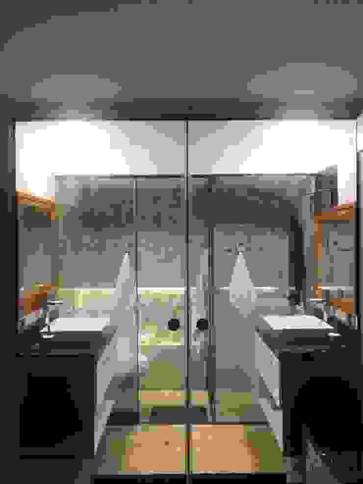Baño para dos Baños modernos de Actio arquitectos Moderno Vidrio