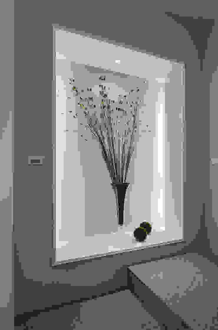 低調奢華 經典風格的走廊,走廊和樓梯 根據 邑舍室內裝修設計工程有限公司 古典風