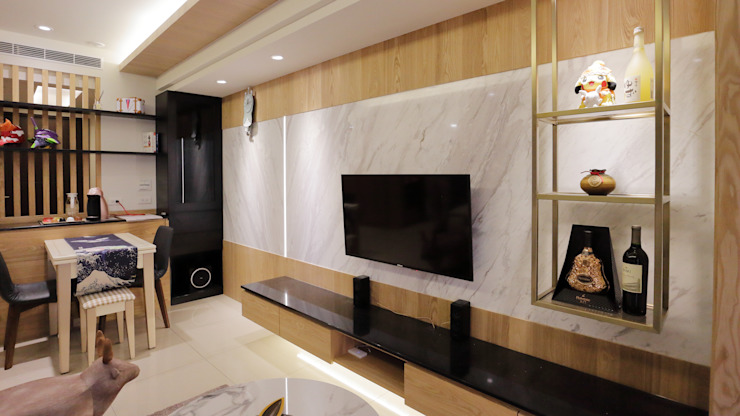 享受兩人世界的自在生活 现代客厅設計點子、靈感 & 圖片 根據 青築制作 現代風