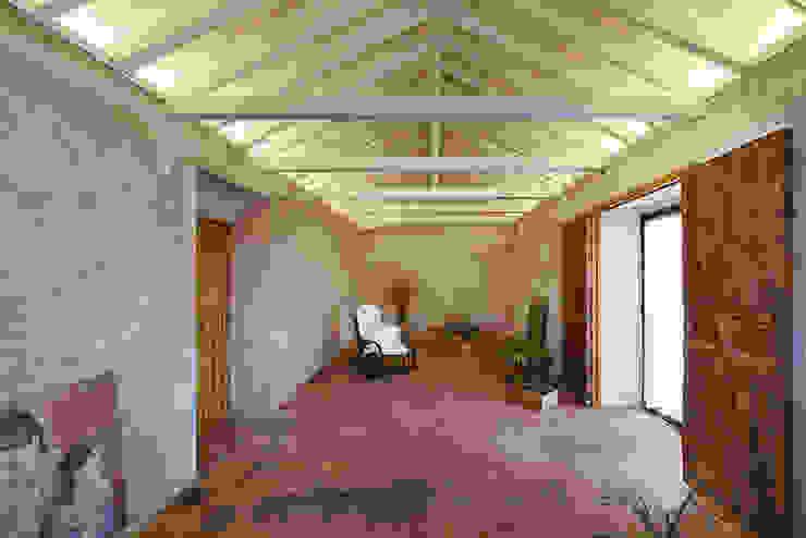 Reforma integral de almacén agrícola como vivienda OOIIO Arquitectura Salones rústicos de estilo rústico Madera Gris