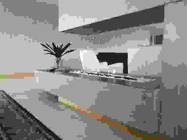 Chimenea de interior Salas de estilo rústico de Hogares Inteligentes Rústico