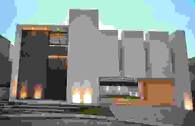 por GRUPO WALL ARQUITECTURA Y DISEÑO SA DE CV Moderno Pedra