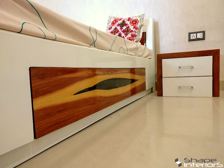 Veneer with deco white painted Shape Interiors BedroomBedside tables Wood White