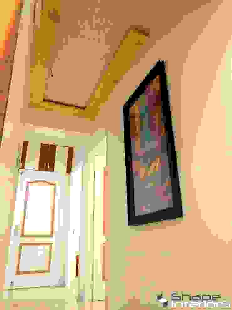 Natural pine wood ceiling Shape Interiors Asian corridor, hallway & stairs Solid Wood Beige