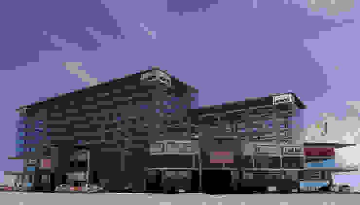 Cuerpos de estacionamiento robotizado Centros comerciales de estilo industrial de Helicoide Estudio de Arquitectura Industrial