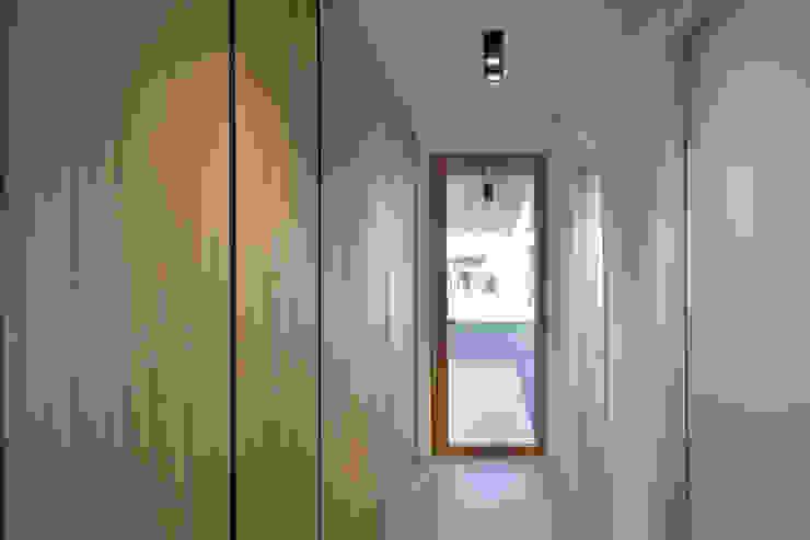 MIDE architetti Modern style conservatory