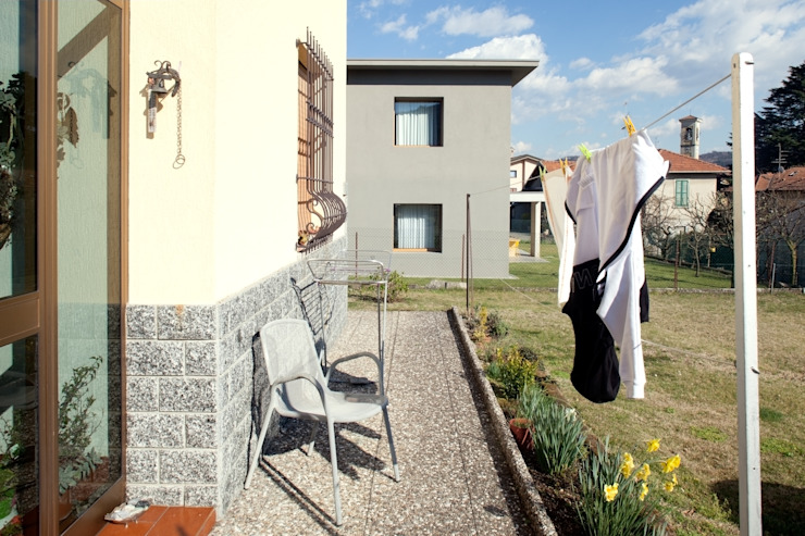 MIDE architetti Modern style balcony, porch & terrace