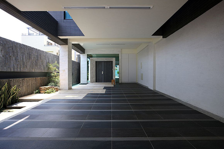 景觀設計 | 層層大院生活: 現代  by 大桓設計顧問有限公司, 現代風