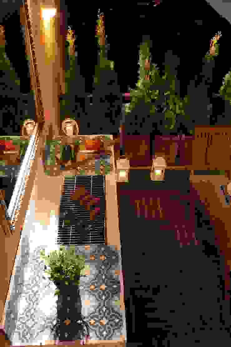 Cerames Balcones y terrazas de estilo clásico