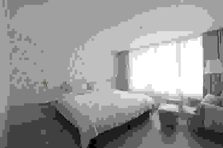 길동 희훈리치파크 32평 아파트 인테리어 모던스타일 침실 by 카멜레온디자인 모던