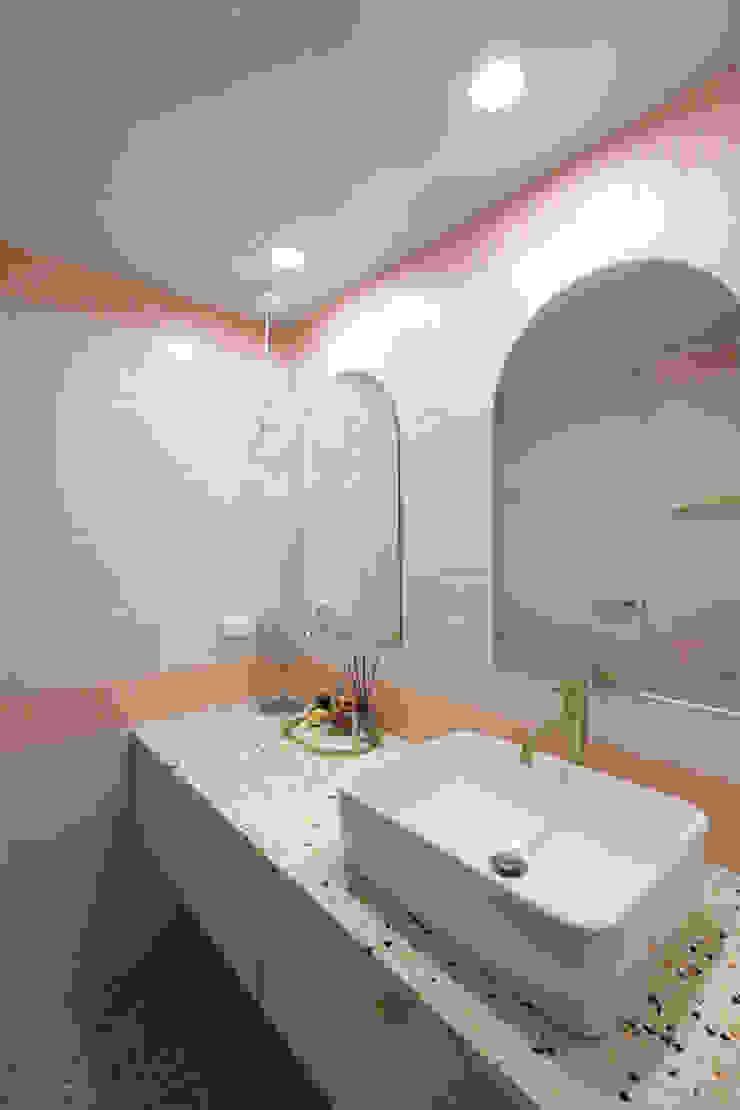 길동 희훈리치파크 32평 아파트 인테리어 모던스타일 욕실 by 카멜레온디자인 모던