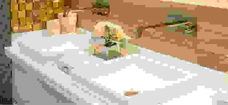 Baño Luxury Baños de estilo minimalista de CAMALEON DISEÑOS Minimalista