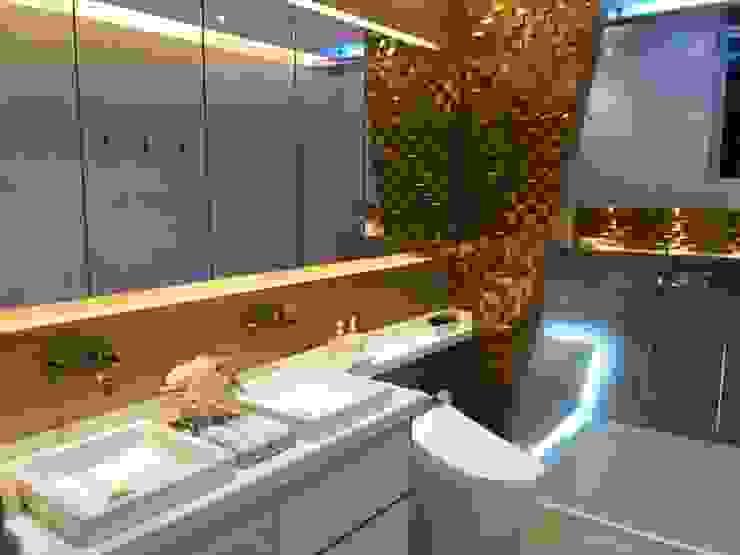 Sanitario Inteligente Baños de estilo minimalista de CAMALEON DISEÑOS Minimalista