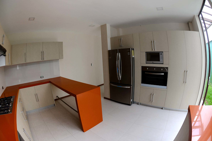 GRUPO WALL ARQUITECTURA Y DISEÑO SA DE CV Built-in kitchens Orange
