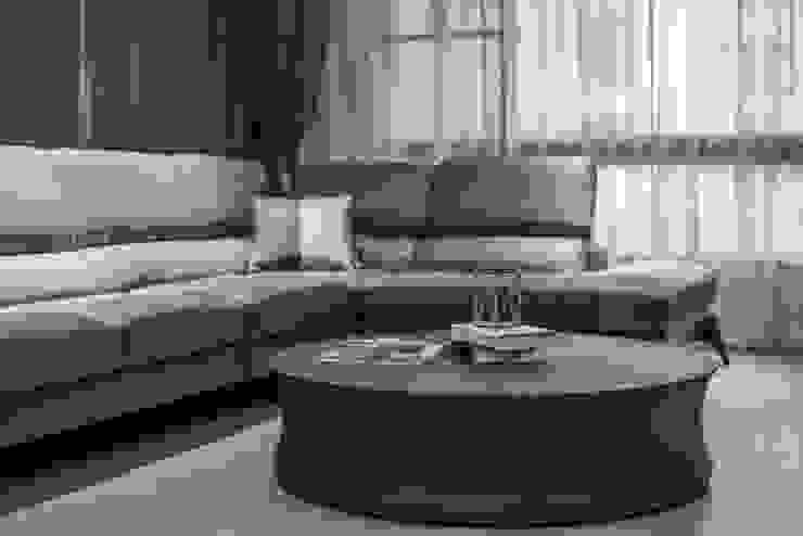 豪邸自建/和緯鼎園-韻墨 现代客厅設計點子、靈感 & 圖片 根據 SING萬寶隆空間設計 現代風