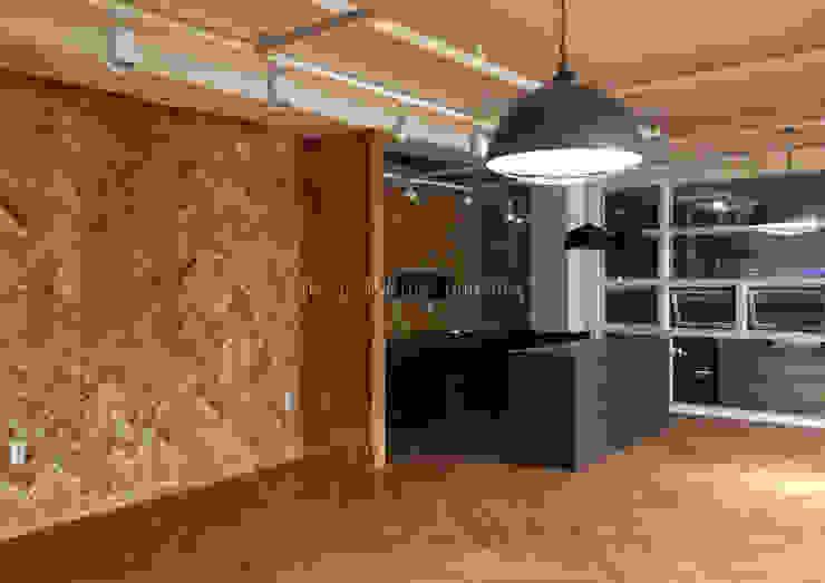 오피스 인테리어 인더스트리얼 서재 / 사무실 by Design Partner Blue box 인더스트리얼 벽돌