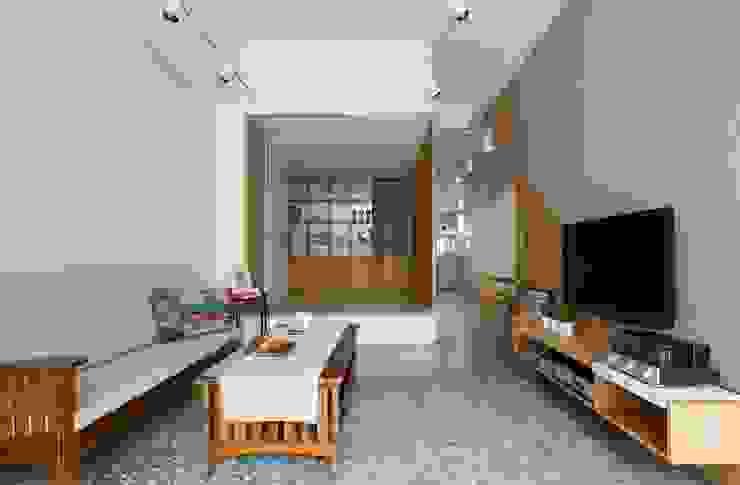 客廳內的和室間:  客廳 by MSBT 幔室布緹,