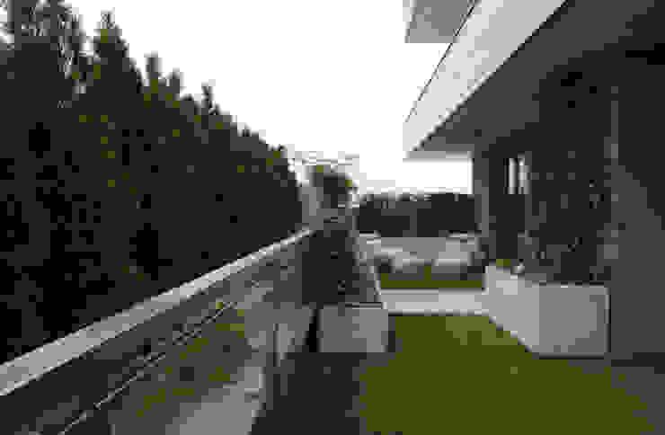 t design Patios & Decks