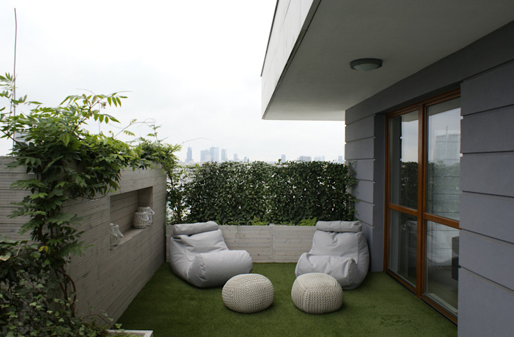 t design Scandinavian style balcony, veranda & terrace