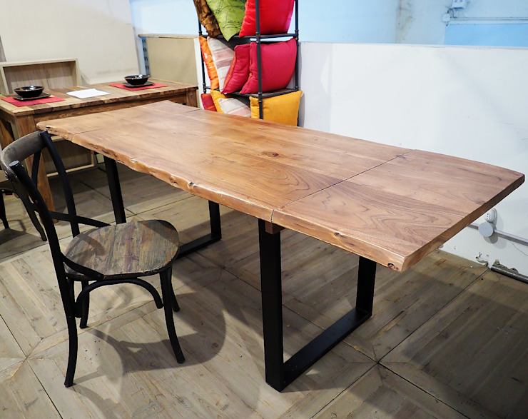 tavolo industrial allungabile:  in stile industriale di nuovimondi di Flli Unia snc, Industrial