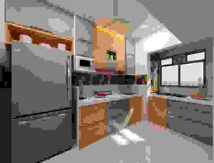 Kitchen Design Ideas Modern kitchen by Square 4 Design & Build Modern