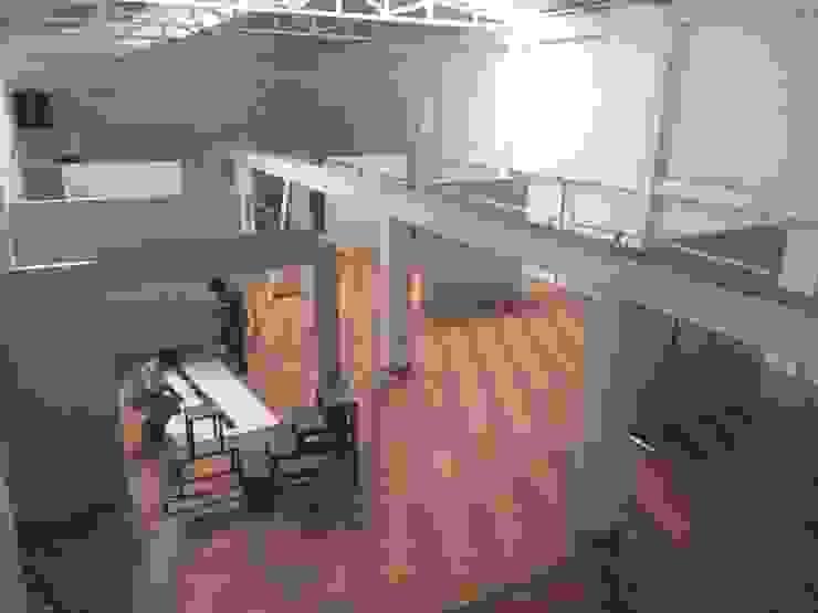 construccion de locales comerciales- Centro comercial el Arriero de s+s sady silva Arquitectura Moderno Aglomerado