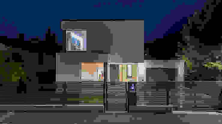 Modern houses by AL ARCHITEKT - in Wien Modern Quartz