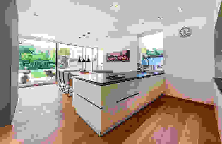 Modern style kitchen by AL ARCHITEKT - in Wien Modern