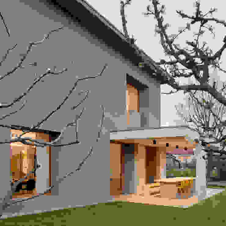 Стены и пол в стиле модерн от MIDE architetti Модерн