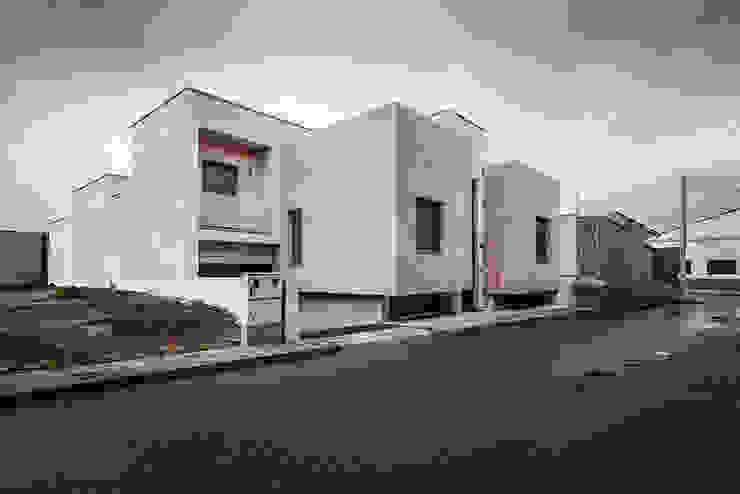 OOIIO Arquitectura Modern houses Stone Grey