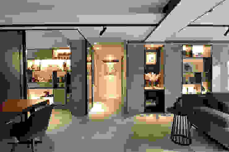 Modern corridor, hallway & stairs by 星葉室內裝修有限公司 Modern