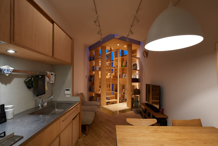 Modern living room by 藤原・室 建築設計事務所 Modern