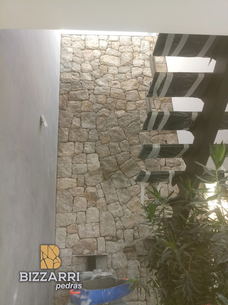 Modern Walls and Floors by Bizzarri Pedras Modern Stone