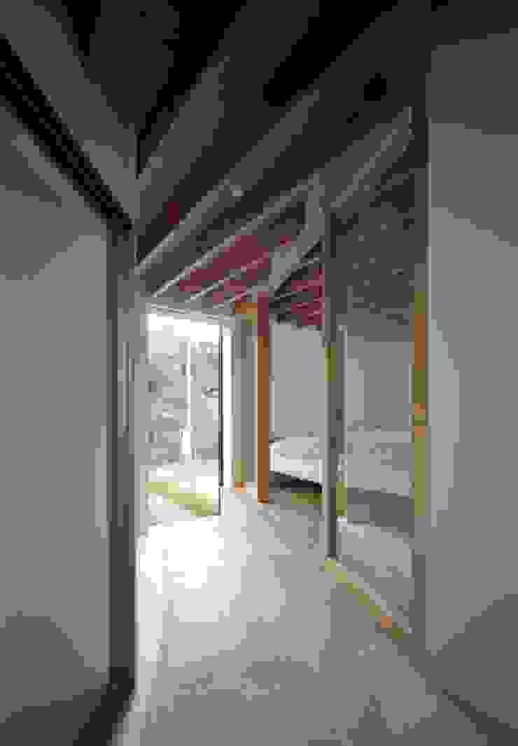 Kamar Tidur Modern Oleh 藤原・室 建築設計事務所 Modern