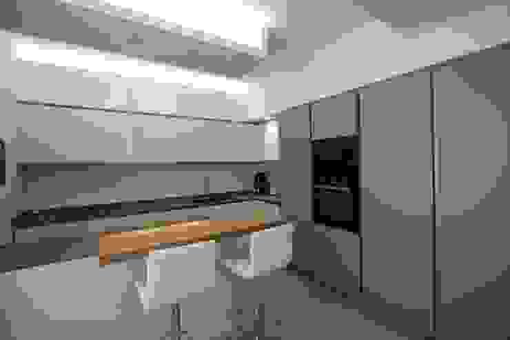 Kitchen by Giuseppe Rappa & Angelo M. Castiglione,
