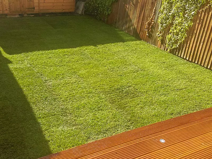 The Final Result Of The Turf Laying Project Fantastic Gardeners Classic style garden