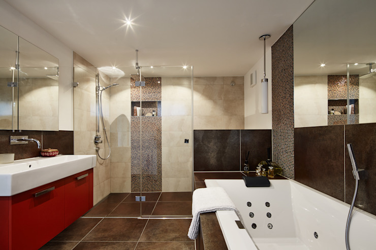 Townhouse London, Prefabricated Baufritz (UK) Ltd. BathroomBathtubs & showers Tiles Beige