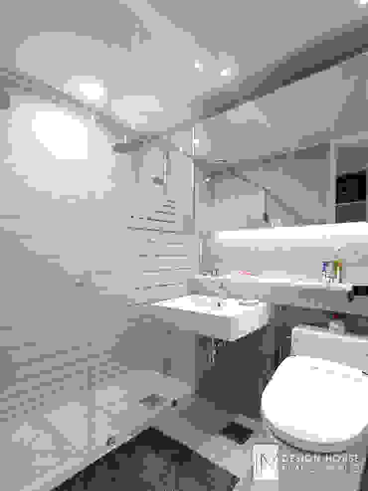 성원상떼빌 34평-침실, 욕실, 현관 모던스타일 욕실 by 디자인아이엠 모던