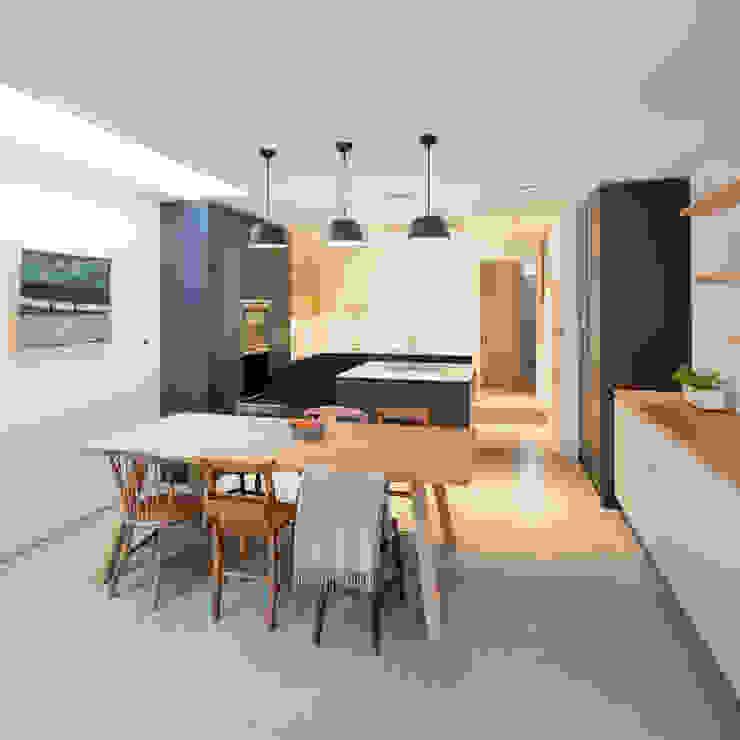 A House in Brixton, 2018 TAS Architects Modern kitchen