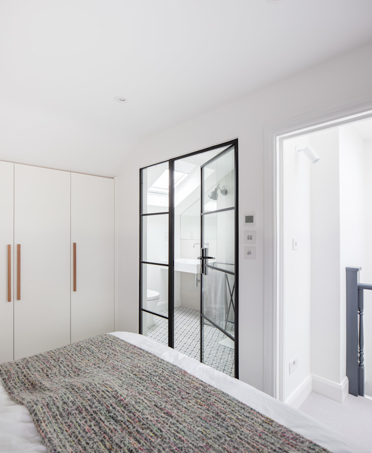 A House in Brixton, 2018 TAS Architects Modern style bedroom