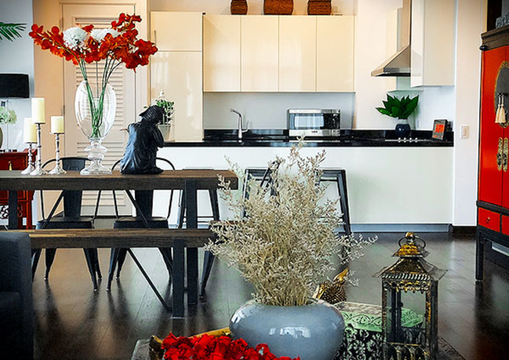 Sleek and Modern with Asian Style – Trump Tower Makati, Philippines SNS Lush Designs and Home Decor Consultancy Living room