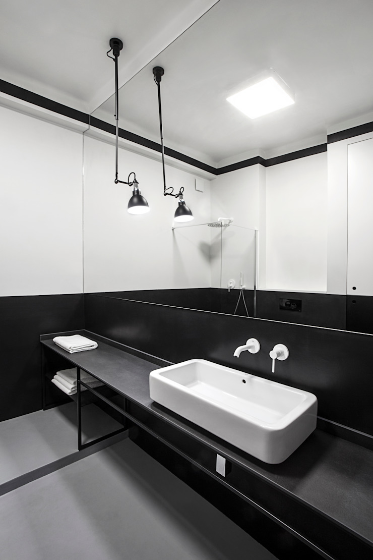 Studio Laas Minimalist bathroom Black