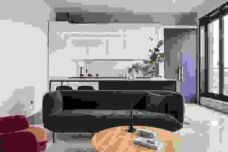 Studio Laas Minimalist dining room