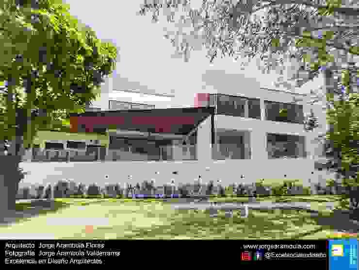 Casa Lagos 94 Excelencia en Diseño Casas unifamiliares Blanco