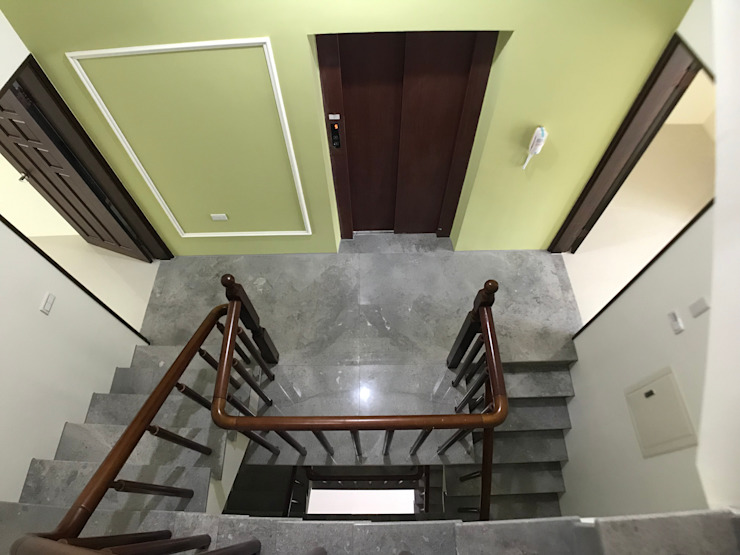 3層梯間 根據 houseda