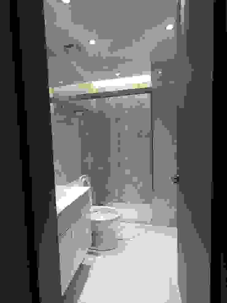 浴室精選: 不拘一格  by 懷謙建設有限公司, 隨意取材風