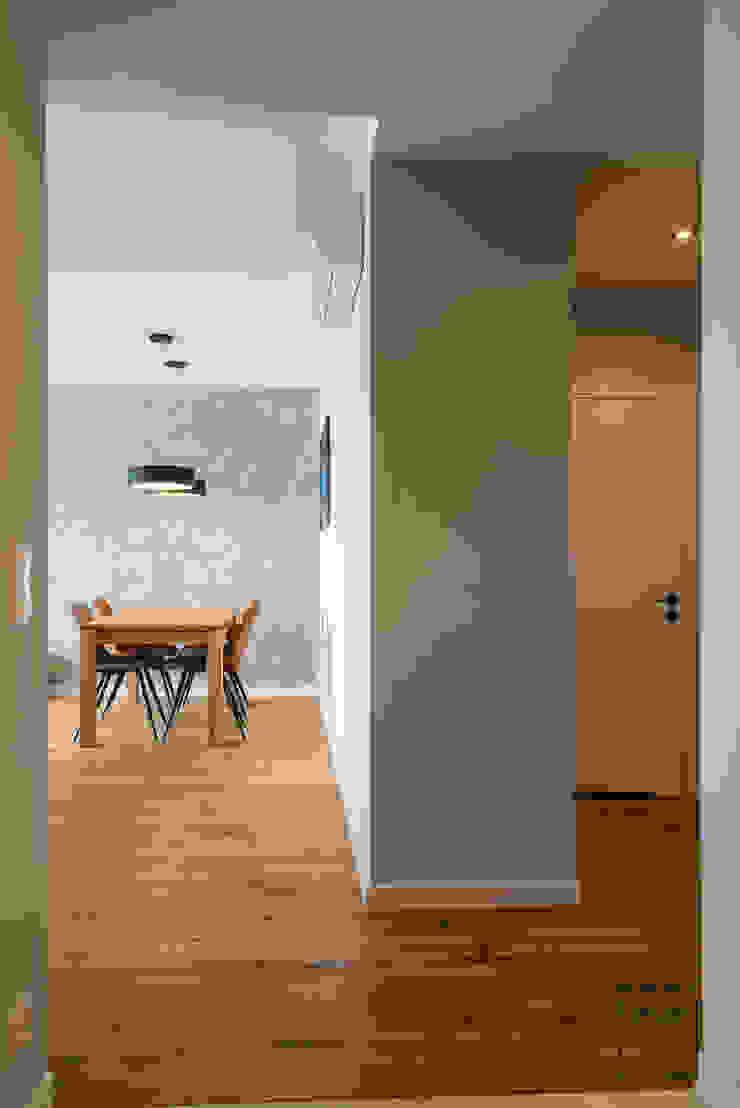Perfect Space Koridor & Tangga Minimalis