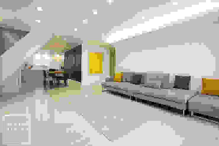 Modern living room by 디자인 헤세드 Modern