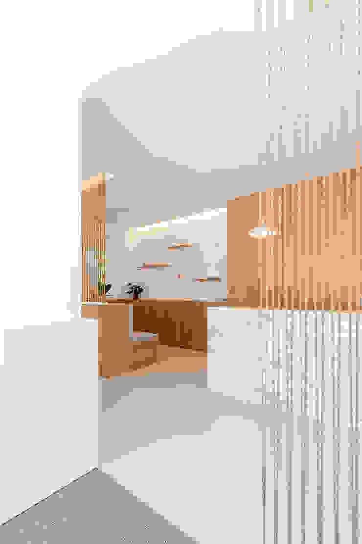Qiarq . arquitectura+design Minimalist clinics Marble White
