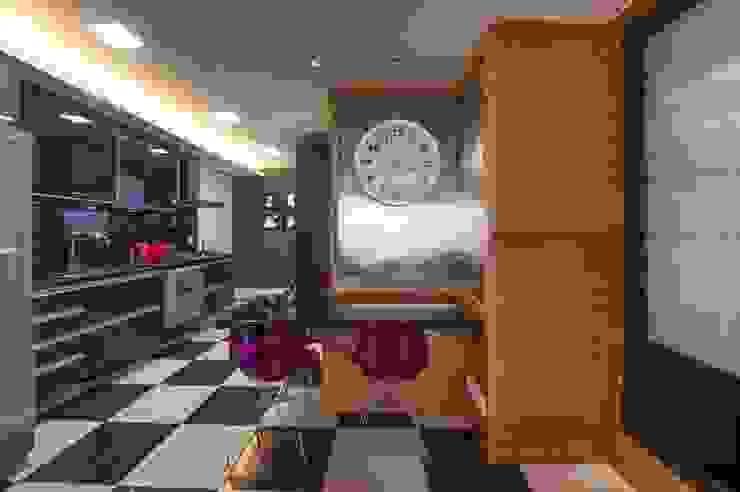Mistura de cores que alegra por BG arquitetura   Projetos Comerciais Moderno